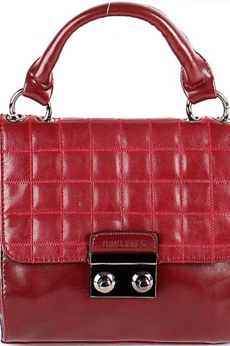 Маленькая сумочка от David Jones