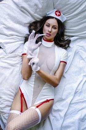 Пикантный костюм личной медсестры